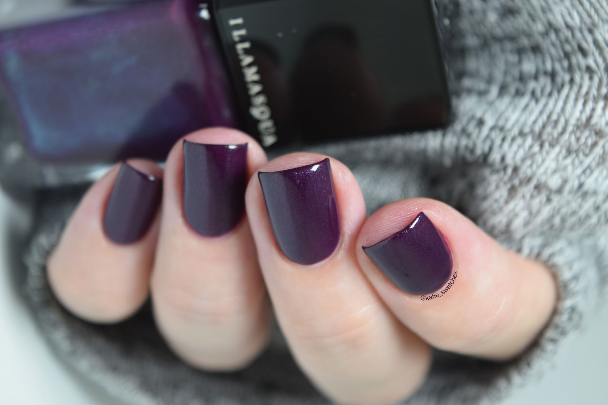 Illamasqua Gothiqua nail polish - dark purple