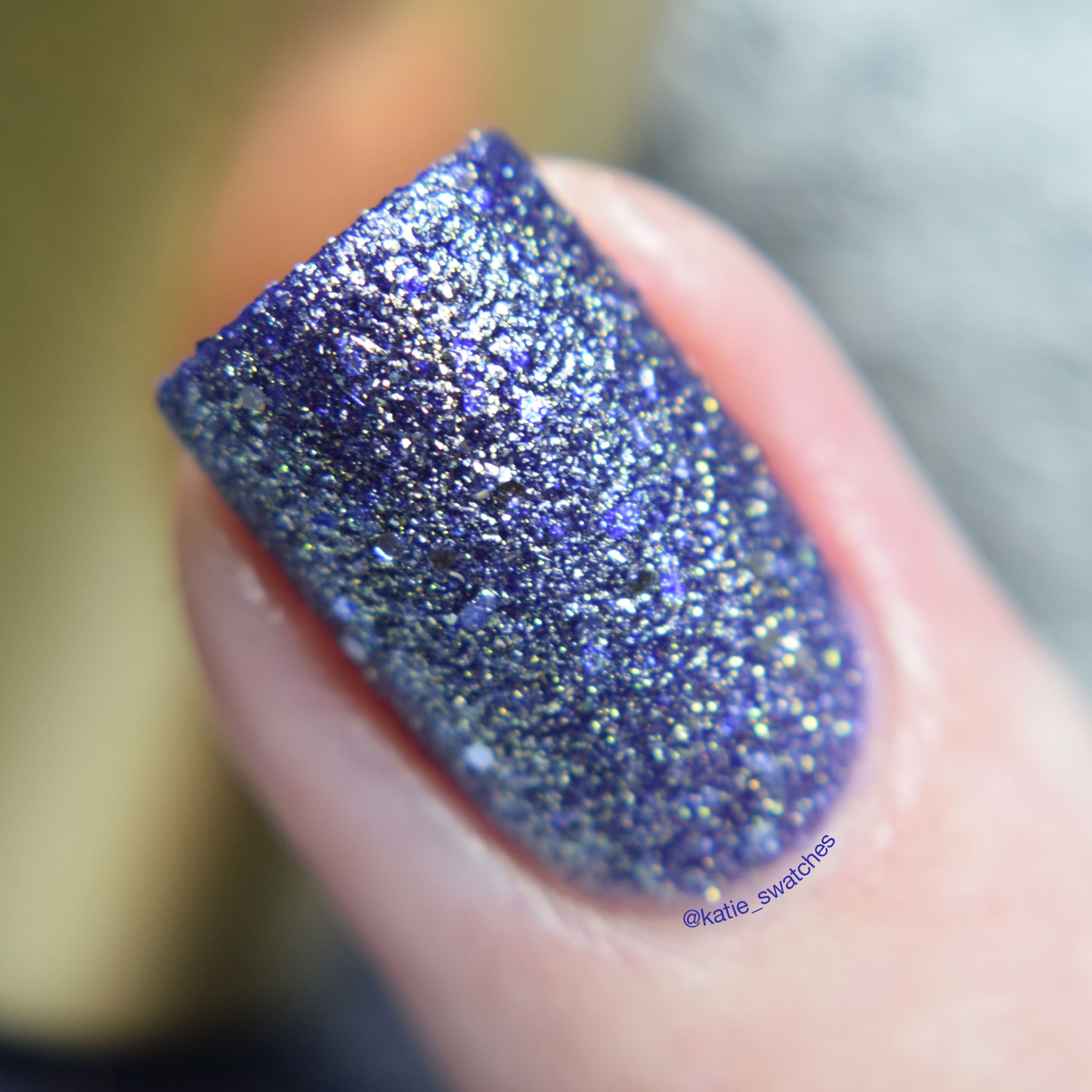 L'Oreal - Too Dimensional?! 136 textured nail polish macro